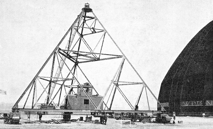 MOBILE MAST USED AT LAKEHURST, NEW JERSEY, U.S.A., for mooring airships