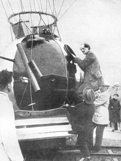 ONE SIDE OF PICCARD'S GONDOLA was coated with black paint